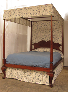 Queen Anne Tester Bed