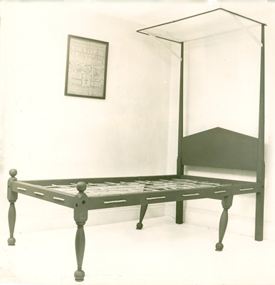 early American folding bed