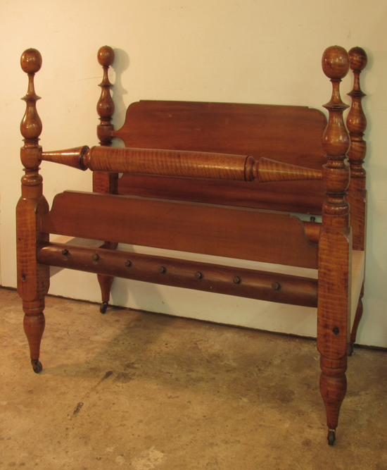 Ball And Vase Cannonball Antique Bed
